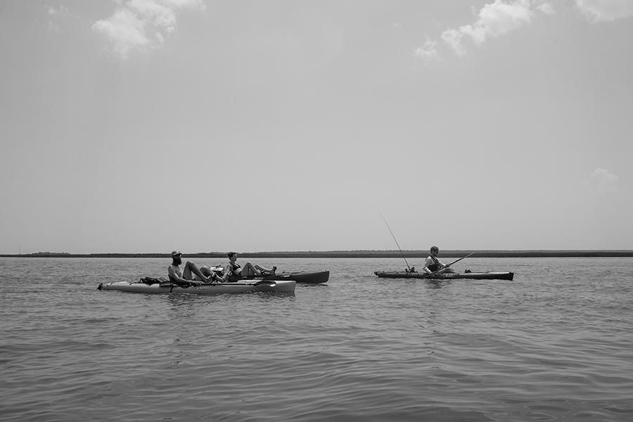 5-paddling-black-and-white